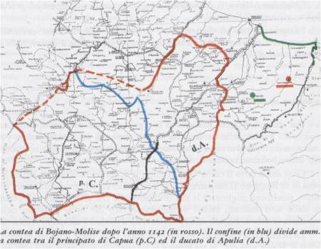 """Il MOLISE nell'anno 1142: la contea di Bojano si chiamò contea di MOLISE (rosso). Il confine (blu) divideva amministrativamente la contea tra il """"Principato di Capua"""" ed il """"Ducato di Apulia""""."""