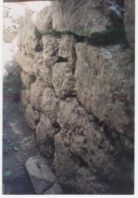 """BOJANO: """"mura ciclopiche"""" presso la chiesa di s. Erasmo."""