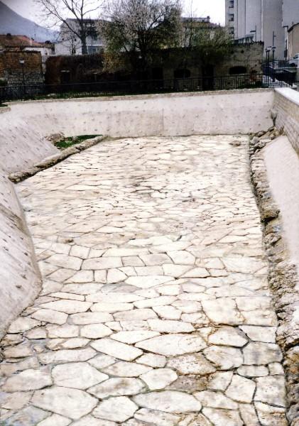 """BOJANO: il """"selciato"""" della """"via romana"""" ."""